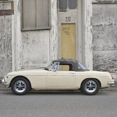 Roadster MGB a louer VAR