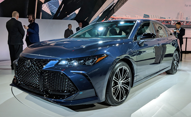 Top 10 New Car Debuts at the 2018 Detroit Auto Show