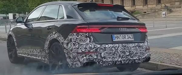 Audi RS Q8 Filmed in Urban Traffic, Looks Massive