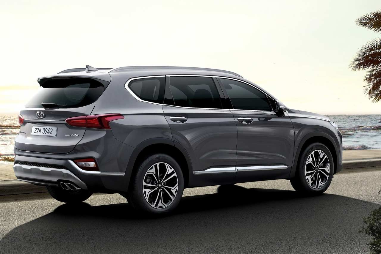2019 Hyundai Santa Fe Grey Rear Quarter AUTOBICS