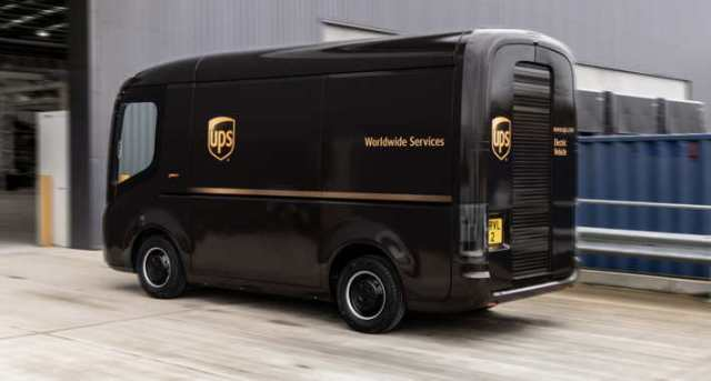 Arrival truck for UPS