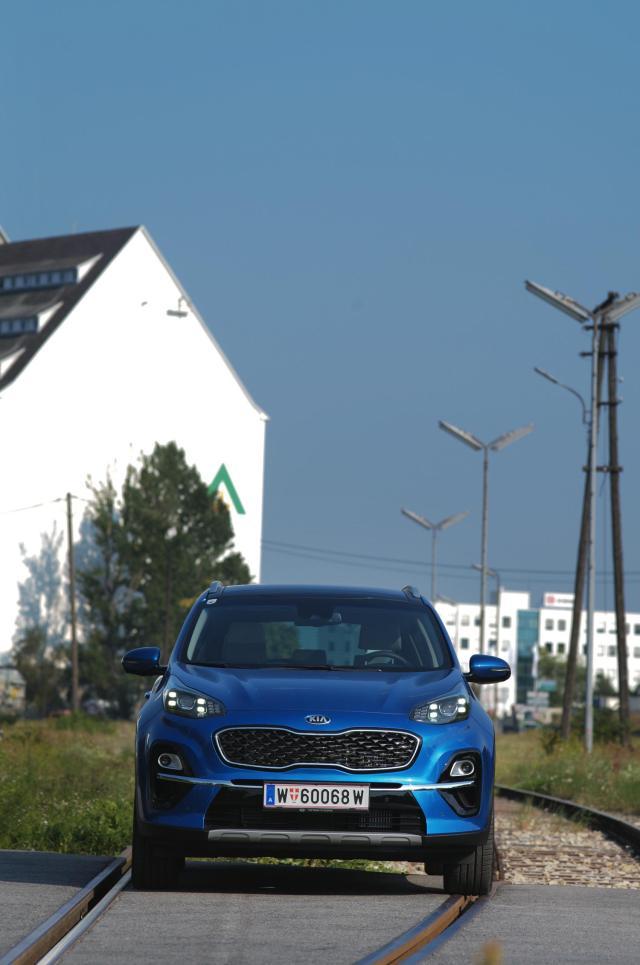 Kia Sportage Platin_blue flame_vo_05