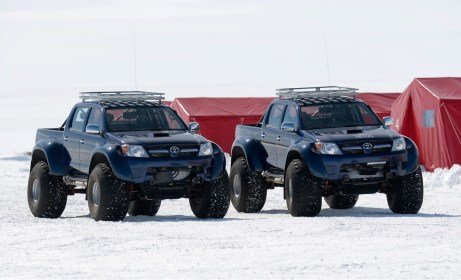 toyota-hilux-conquers-south-pole_1.jpg