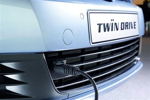 vw-golf-vi-twindrive-prototype_1-custom