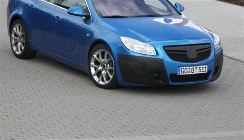 opel-insignia-opc-in-blue-spy-photo