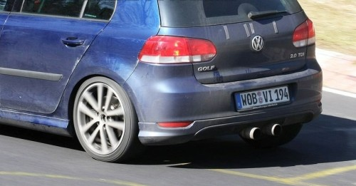 http://www.worldcarfans.com/9090331.016/vw-golf-r20-first-spy-photos