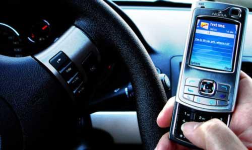 car_texting