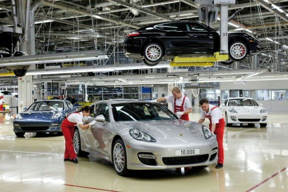 The 10,000th Porsche Panamera rolled off the production line at the Leipzig plant of Dr. Ing. h.c. F. Porsche AG