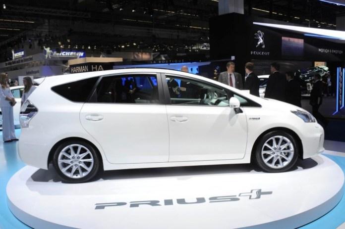 Toyota Prius Plus Live in IAA 2011