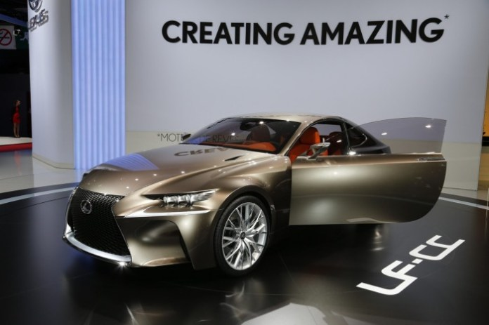 lexus-lf-cc-concept-live-in-paris-2012-7