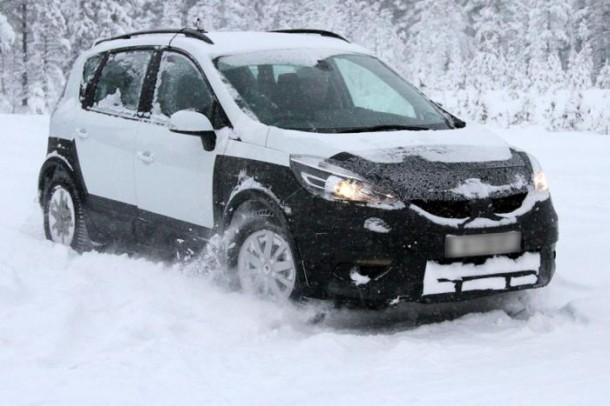 Renault Scenic Cross Spy Photos (1)