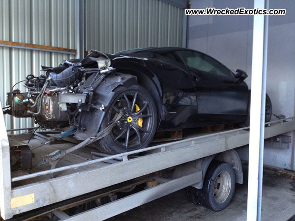 Ferrari 458 Italia Crash (2)
