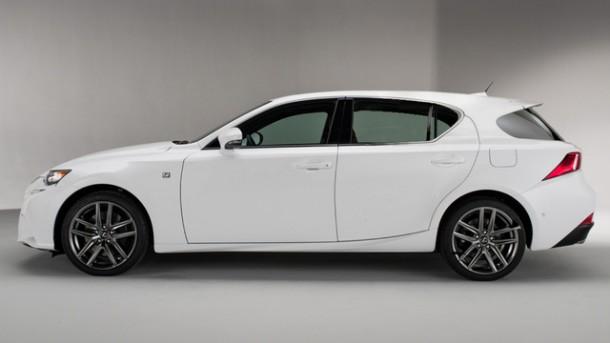 Lexus IS Sport Cross