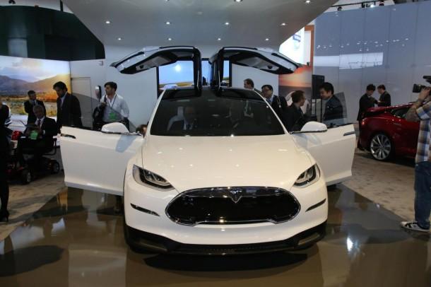 Tesla Model X Live in Detroit 2013 (1)
