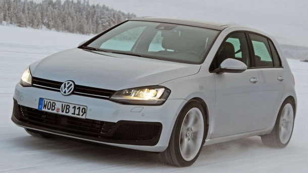 VW Golf R Spy Photos (1)