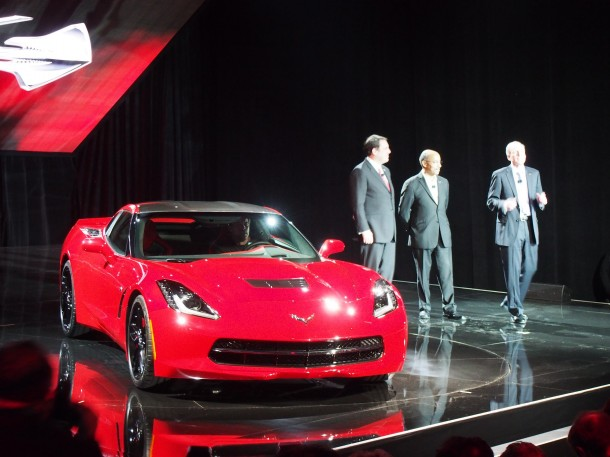 chevrolet-corvette-stingray-2014-live-in-detroit-2013-7