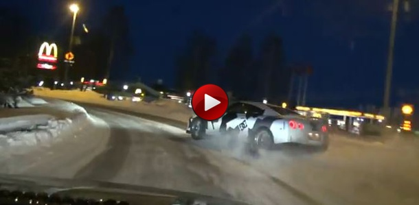gt-r snow drifting