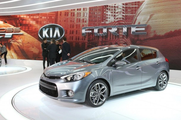 Kia Forte five-door 2014 (1)