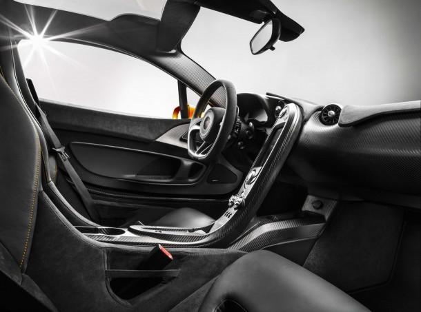 McLaren P1 Interior (1)