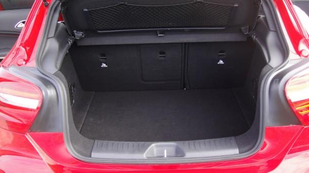 Mercedes-Benz A200 BlueEFFICIENCY - Test Drive (138)