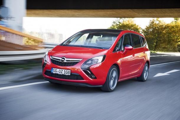 Opel Zafira Tourer BiTurbo (1)