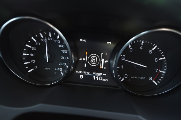 Range Rover Evoque 2013 with 9-speed automatic transmission (5)