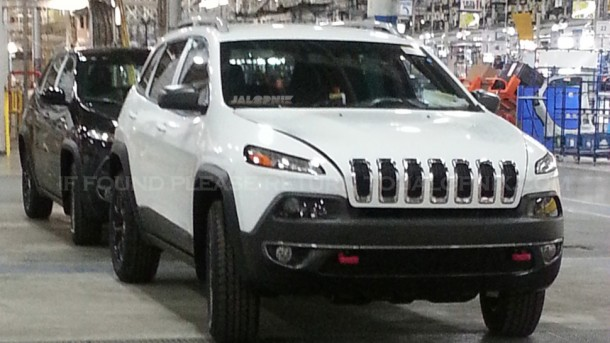 Jeep Cherokee 2014 Spy Photos