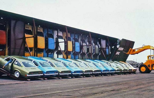 Chevrolet Vega Vert-A-Pac containers (1)