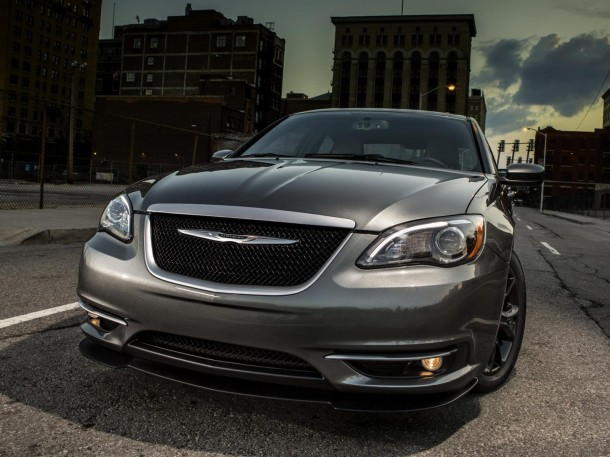 Chrysler 200 S Special Edition 2013.5 (1)