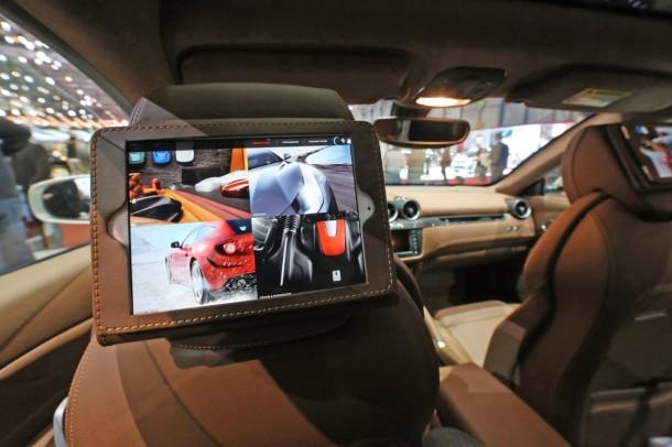 Ferrari-FF-iPad-Geneve-2013-01