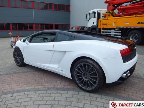 Lamborghini Gallardo LP560-4 Bicolore Crashed (7)