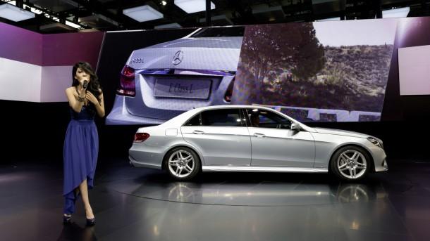 Mercedes E-Class long-wheelbase 2013 (9)