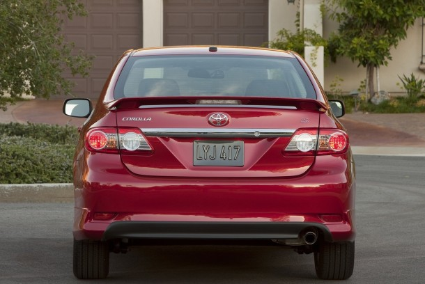 Toyota-Corolla_2011
