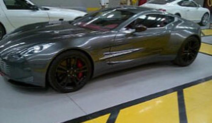 Aston Martin One-77 Dubai Police (3)