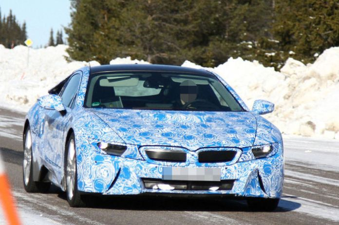 BMW-i8-with-production-taillights-1