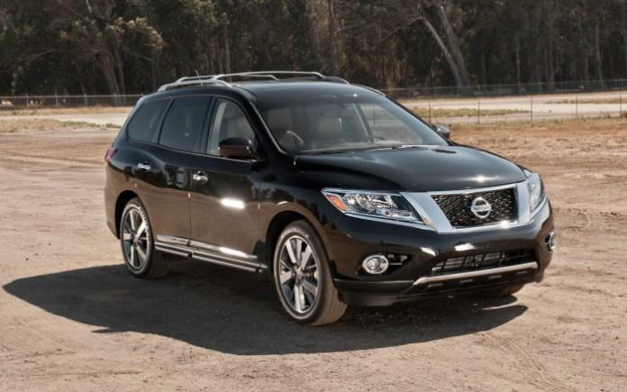 2013-Nissan-Pathfinder-front-three-quarter