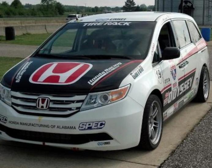 Honda Odyssey minivan for Pikes Peak Hill Climb (1)