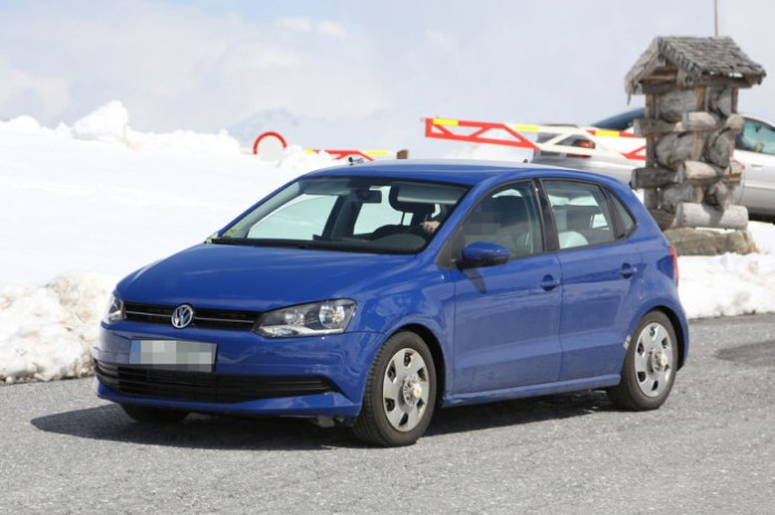 Volkswagen Polo Facelift 2014 Spy Photos (21)