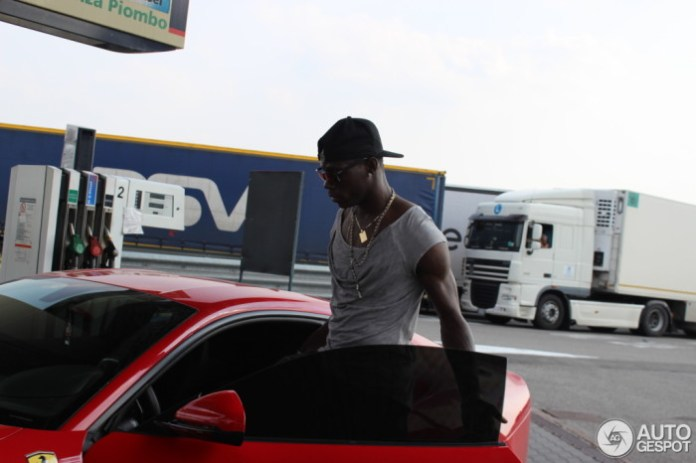 Mario Balotelli buy Ferrari F12berlinetta (4)