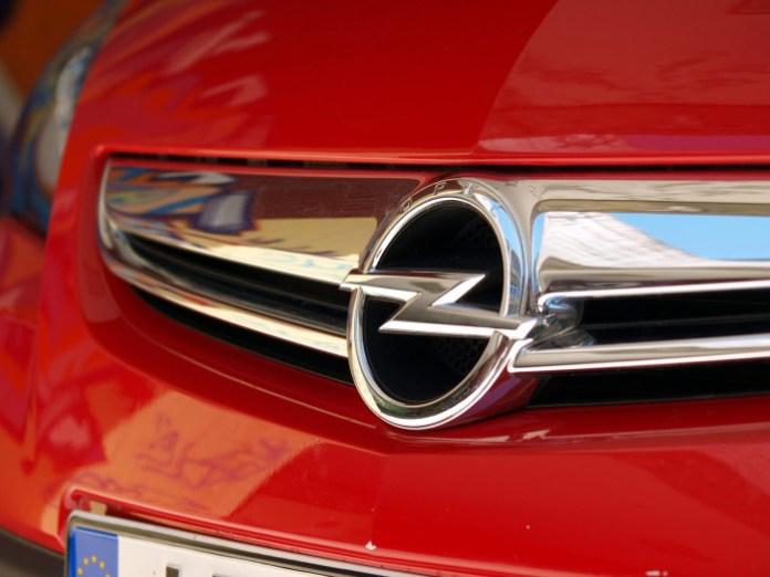 Opel Astra GTC 1.7 CDTi (23)
