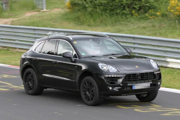 Porsche-Macan-2014-Spy-Photos-700x466