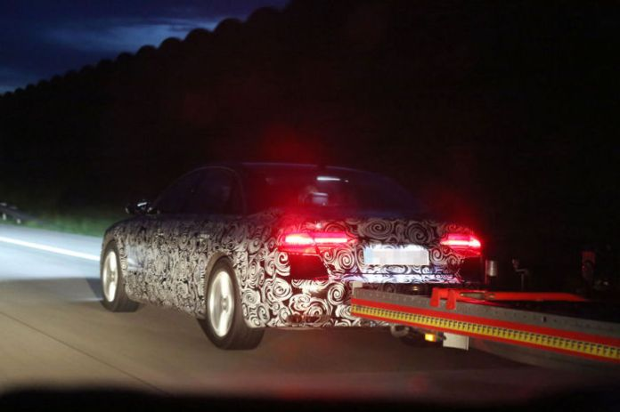 audi A8 facelift spy photos (3)