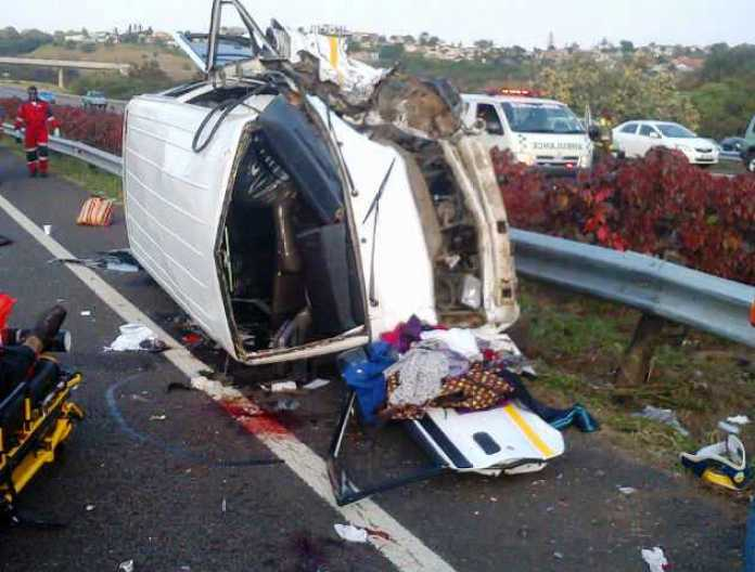 jaguar-f-type-crash-south-africa-durban-taxi-injuries (1)