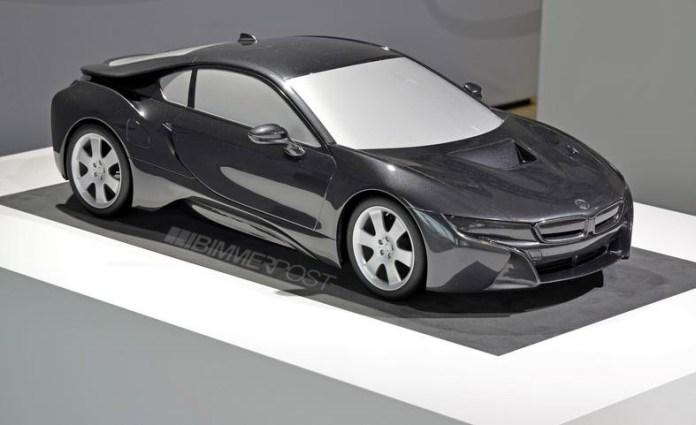 BMW i8 Scale Model (1)