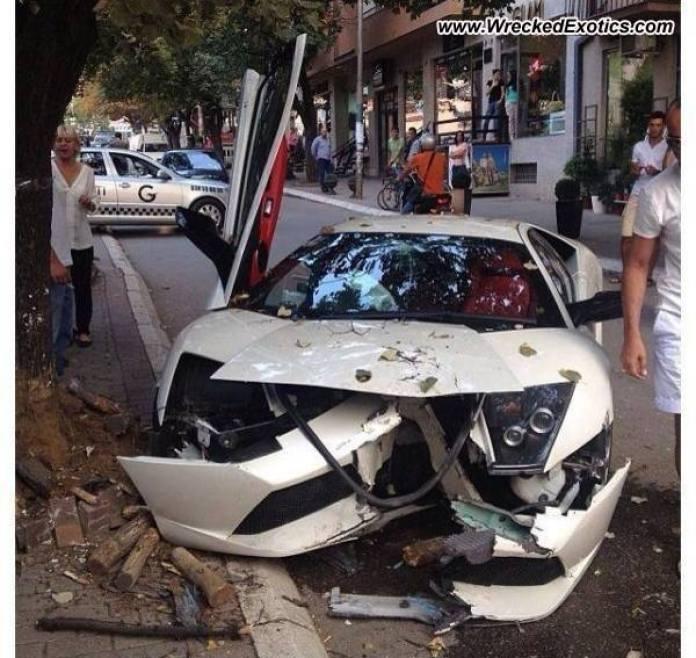Lamborghini Murcielago LP-640 crash (1)