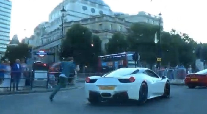 London Supercar Drive w: Shmee150 - EPIC FAIL - drunk dude runs with cars and trips over!!