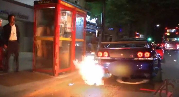 gt-r flames london