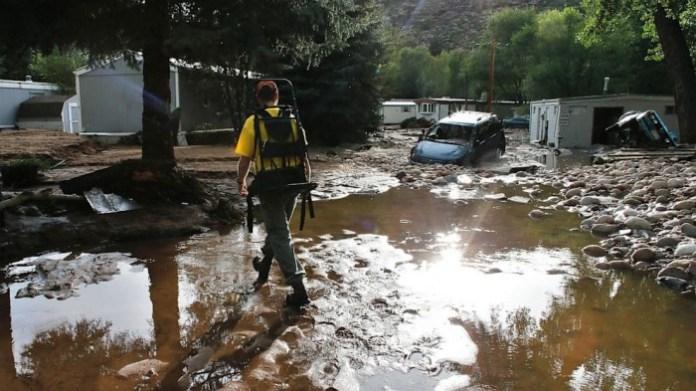 AP_colorado_flooding_lt_130914_16x9_992