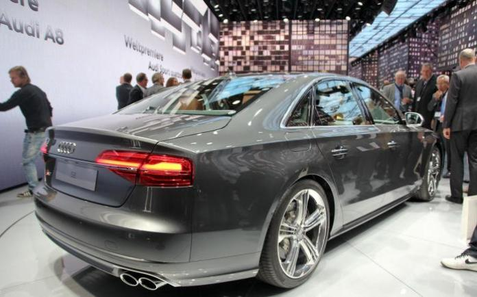 Audi A8 and S8 Facelift 2014 Live in Frankfurt 2013 (12)
