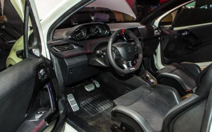 Peugeot 208 Hybrid FE Concept (12)